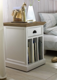 T757rt Bedside/Lamp table